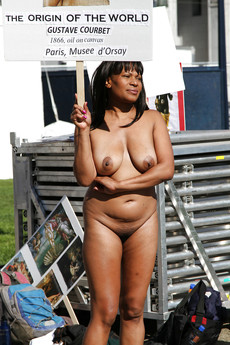 Naked black mature walking in the street and..