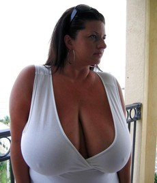 These big tits are designed for good sex. I love..