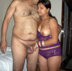 Hot fat doodhwali aunty nude having sex with..