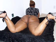 Some beauty black BBW nude, and do other crazy..
